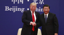US-Präsident Donald J. Trump (L) und sein chinesisches Pendant Xi Jinping (R). Foto: epa/How Hwee Young