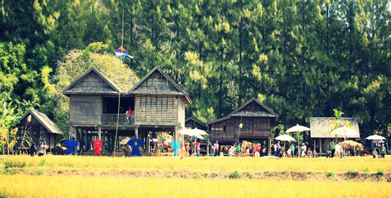 Besuch in der jim thompson farm thailand korat for Traditionelles thai haus